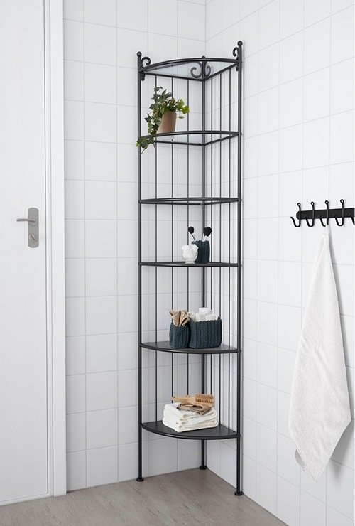 Лаконичный угловой стеллаж в ванную