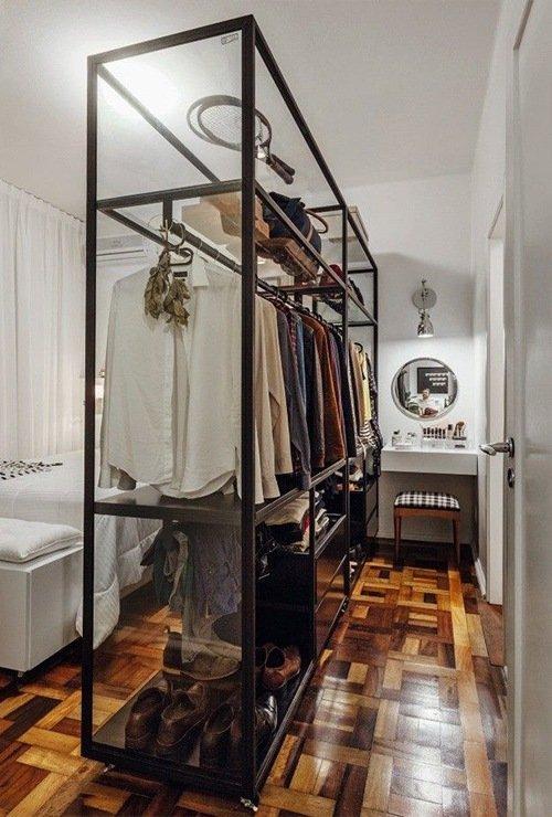 Зонирующий стеллаж-шкаф для одежды фото