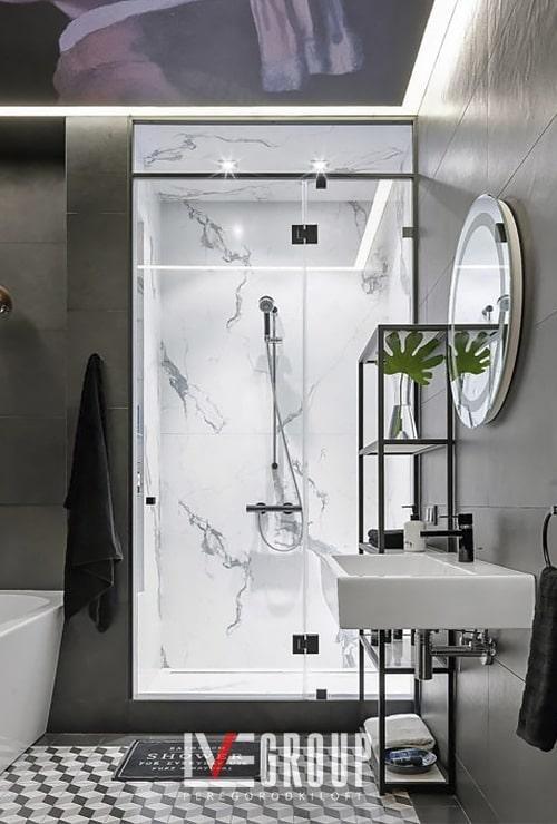 Стеллаж в ванную и дверь в душ от ИВЕГРУП