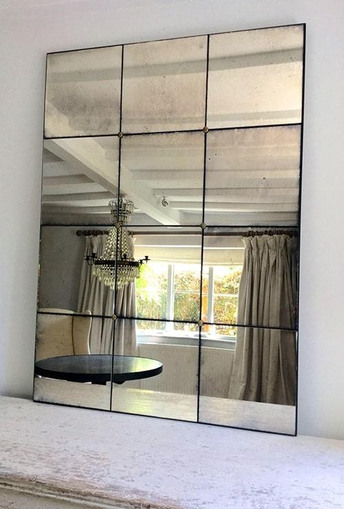 зеркало в металлической раме в стиле лофт