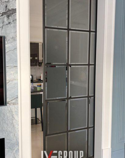 Изображение раздвижной двери в стену