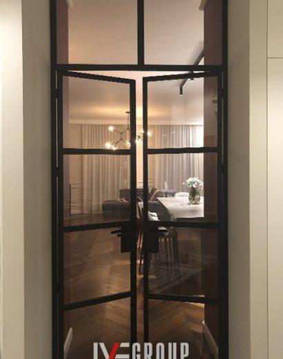 Изображение дверей с фрамугой в гостиную