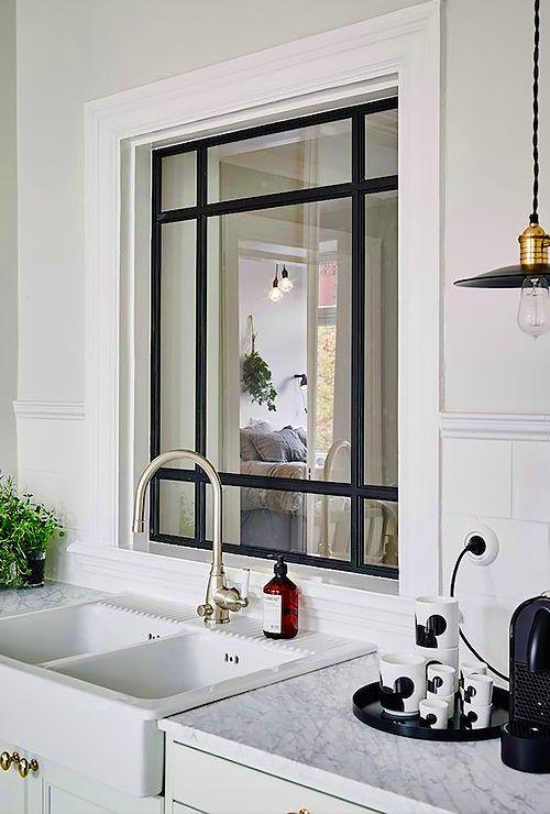 Межкомнатное окно на кухню