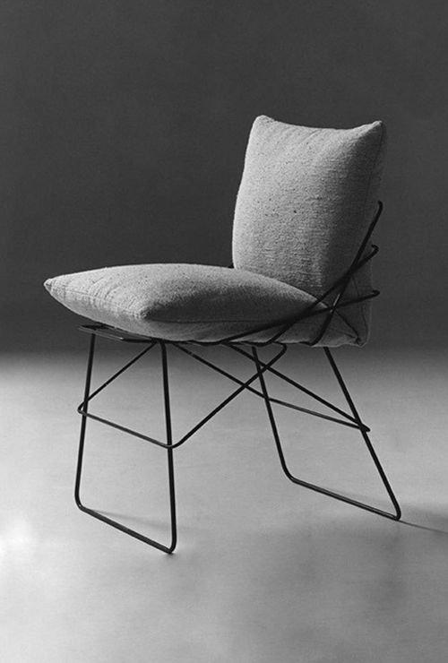 Картинка мягкого стула в металле - 1