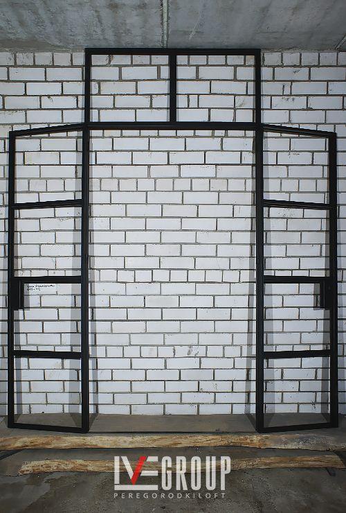 Двустворчатые распашные двери с фрамугой 15