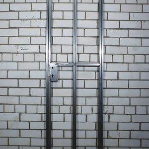Одностворчатая распашная дверь фото 4
