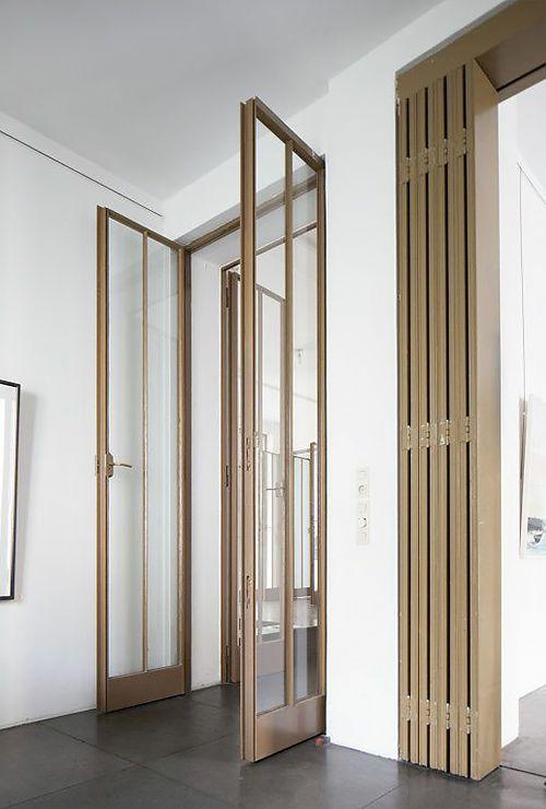 Распашные античные двери из стекла 2