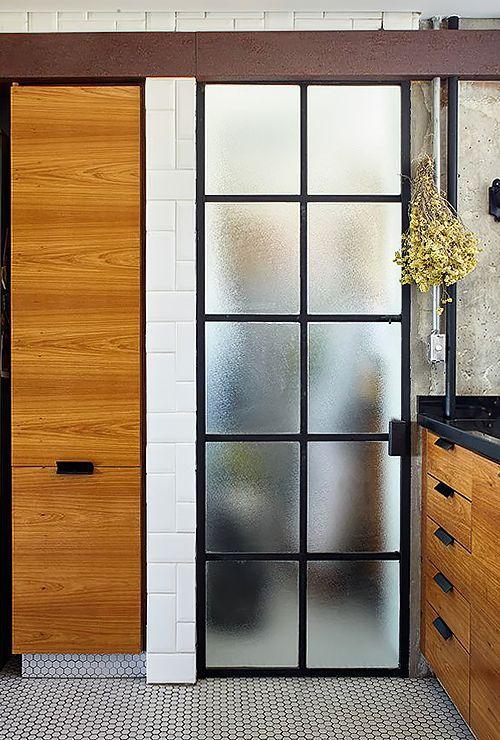 Откатная дверь на кухню фото 11