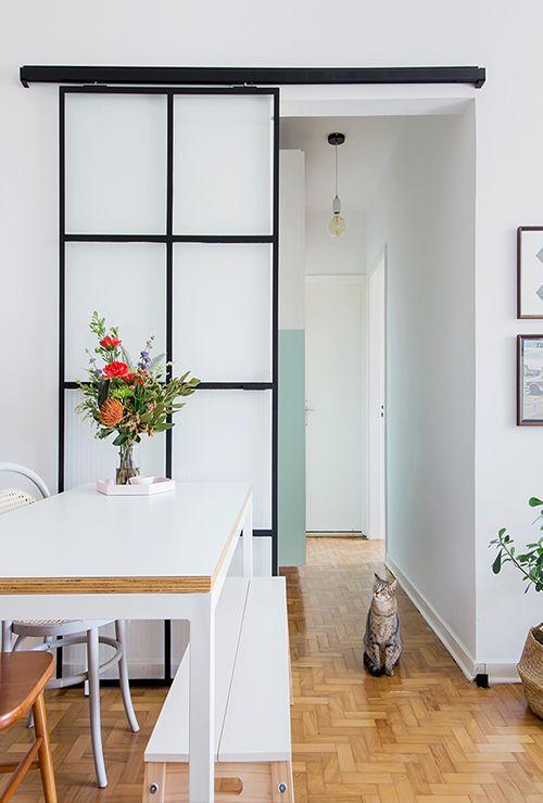 Раздвижная настенная дверь на кухню фото 1.9