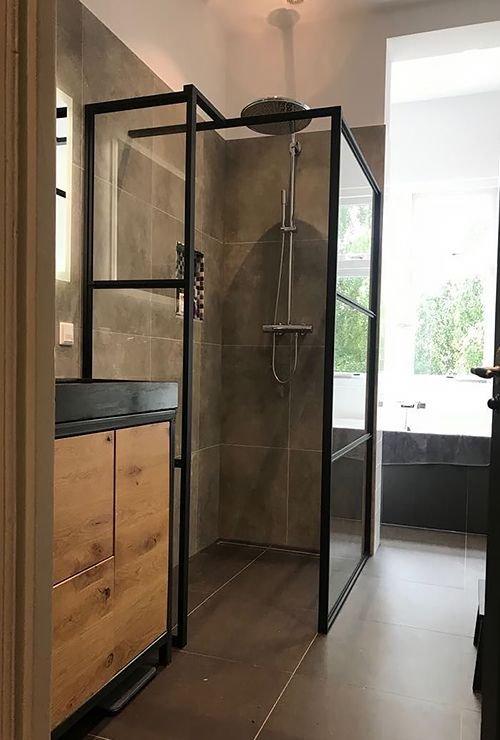 Душевая лофт перегородка в душ картинка -7