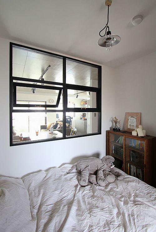 Откидное окно в детской спальне фото 3
