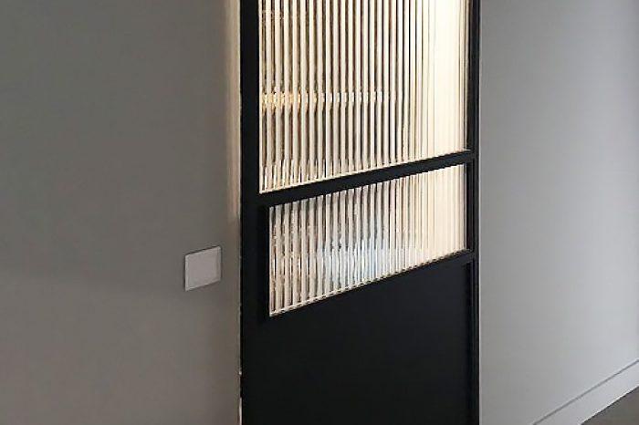 Дверь на верхнем рельсе