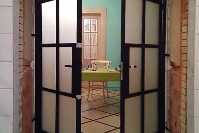 Двери между двумя домами