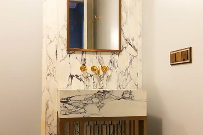 Зеркало и основание под раковину в ванную