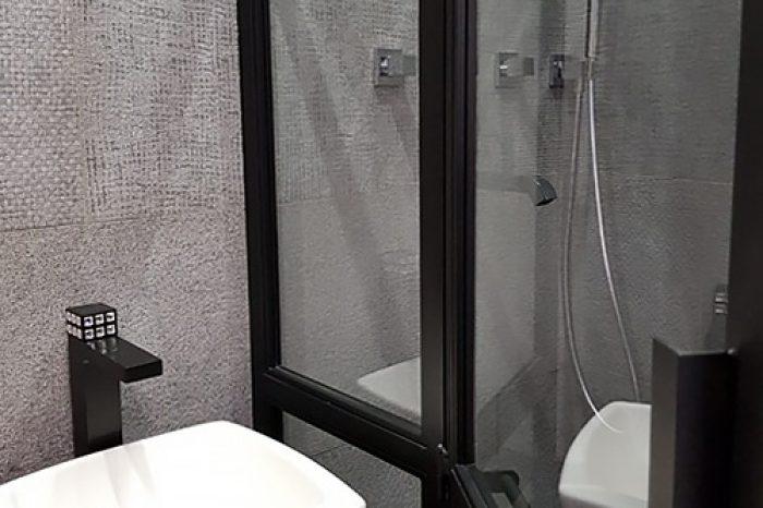 Дверь в душ Детальное