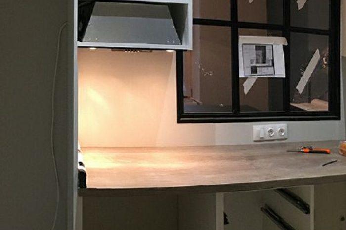 Монтаж окна между гостиной и кухней фото