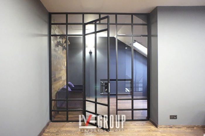 Перегородка с распашной дверью от IVEGROUP