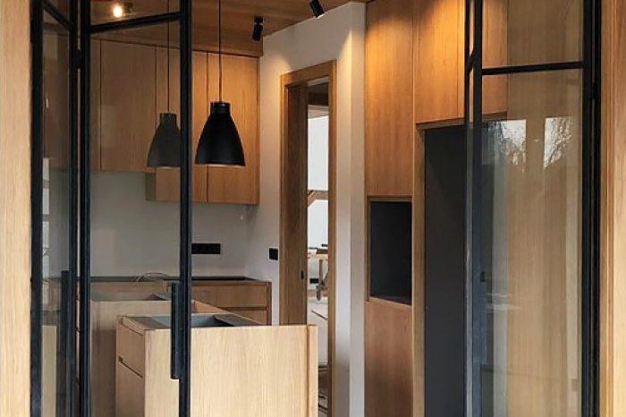 Перегородка на кухню со складными дверями
