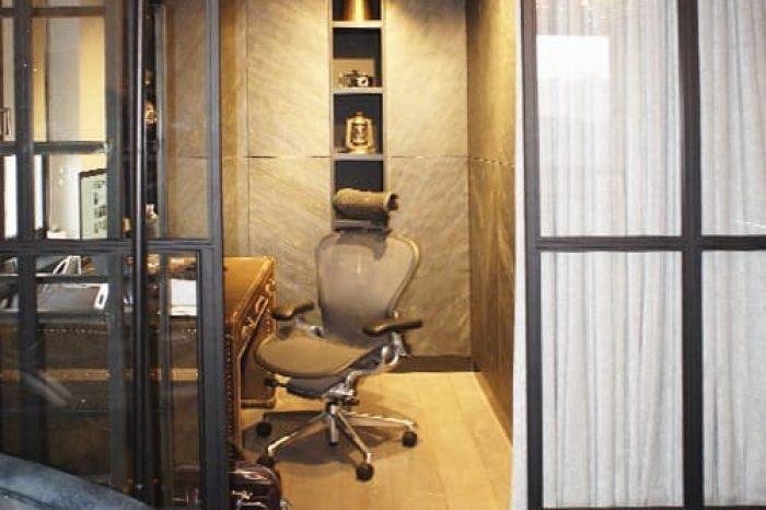 Перегородка с раздвижной дверью в кабинет